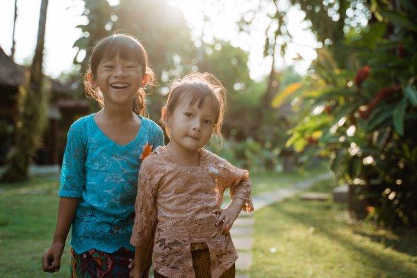 10 Rekomendasi Kebaya Anak untuk Tampil Imut dan Menggemaskan di Acara Kondangan (2021)