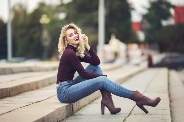 Gayamu Bisa Lebih Stylish dengan 10 Rekomendasi Celana Levi's Wanita Berikut (2020)
