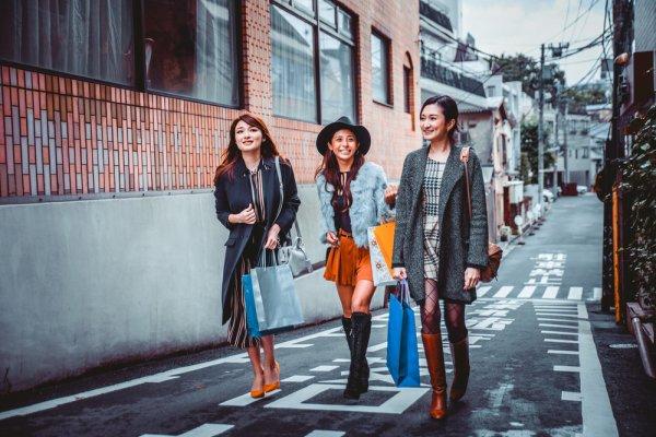 Inilah Inspirasi Fashion Musim Panas Jepang Yang Bisa Kamu Coba 1a47edecc3