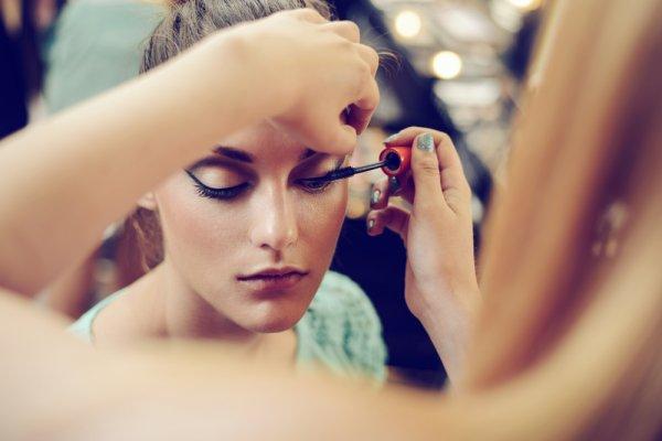 11 Rekomendasi Produk Makeup Dior yang Membuat Anda Cantik dan Penuh Pesona