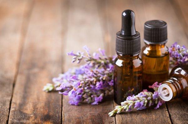 6 Rekomendasi Minyak Aromaterapi untuk Mengobati Pilek pada Bayi