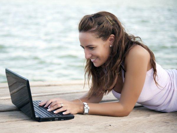 """10 gợi ý trả lời cho câu hỏi """"mua laptop mini nào tốt nhất?"""" (năm 2021)"""