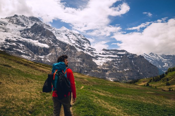 10 Rekomendasi Jaket Eiger dan Cara Memilihnya