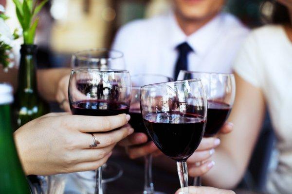 Kenali 5 Jenis Gelas Wine yang Banyak Digunakan dan Miliki 10 Rekomendasi Gelas Wine Cantik Ini untuk Bersulang!