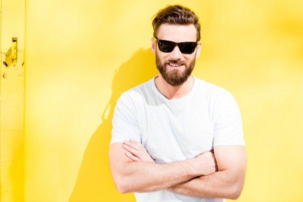 Pengen Punya Style Beda dari Gankmu? Cek Deh 7 Pilihan Kacamata Pria Terbaru untuk Tampil Keren! (2018)