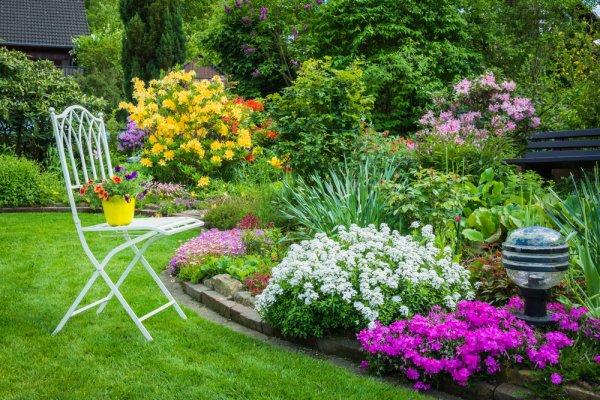 7 Rekomendasi Hiasan untuk Taman Rumah agar Tampak Cantik, Asri, dan Lebih Hidup