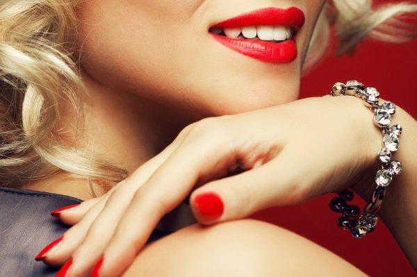 Sedang Mencari Gelang Emas? Cek 11 Rekomendasi Gelang Emas Cantik Ini untuk Tampilan Elegan (2020)