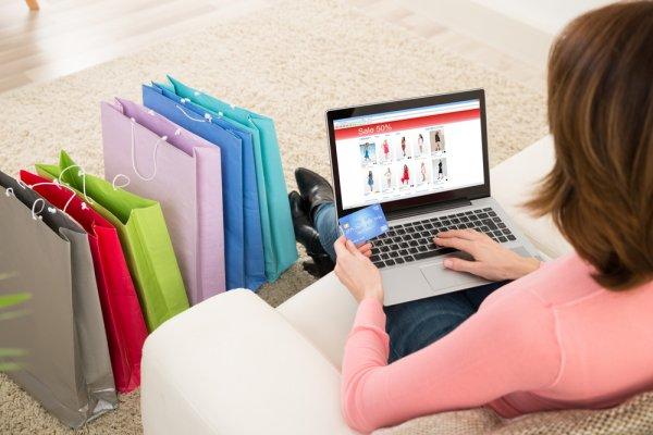 Tak Mau Ribet Belanja Baju? Coba Saja Cek 10 Toko Baju di Shopee yang Oke dan Tepercaya Berikut!