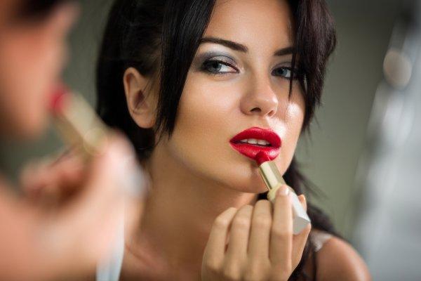 10 Fakta Unik Lipstik Arab dan Rekomendasi 4 Warna Lipstik yang Sesuai dengan Warna Kulit Anda