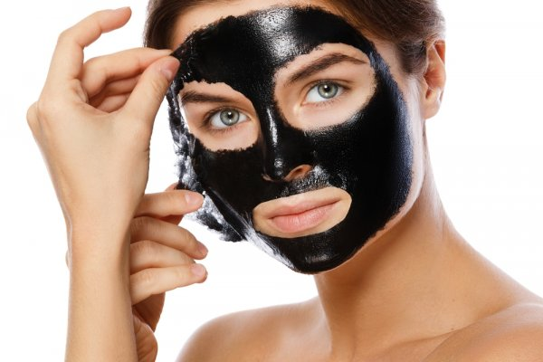 Anda Wajib Coba 10 Rekomendasi Masker Muka yang Ampuh Mengatasi Komedo Membandel Ini