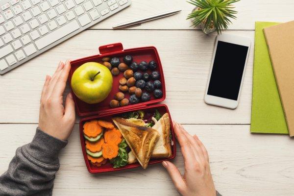 Jadikan Makan Siang Kamu Makin Seru dengan 10 Kotak Makan Siang nan Oke Ini (2018)