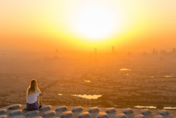 10 Trik Jitu Memotret Matahari Terbit untuk Laman Media Sosial yang Kian Cantik