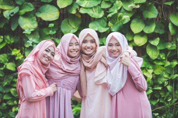 Cantik Tak Selalu Mahal! Intip Deretan 8 Jilbab Murah yang Recommended Ini, Yuk