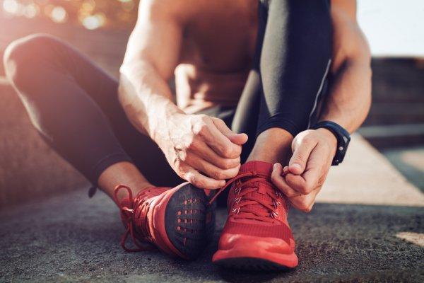 10 Rekomendasi Sepatu Olahraga untuk Dapatkan Hasil Maksimal dan Tubuh Sehat (2020)