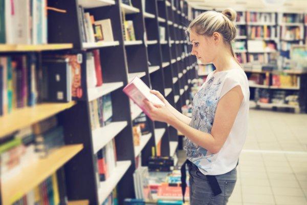 10 Rekomendasi Buku Unik Ini Pasti Bikin Kamu Tercengang Saat Membacanya