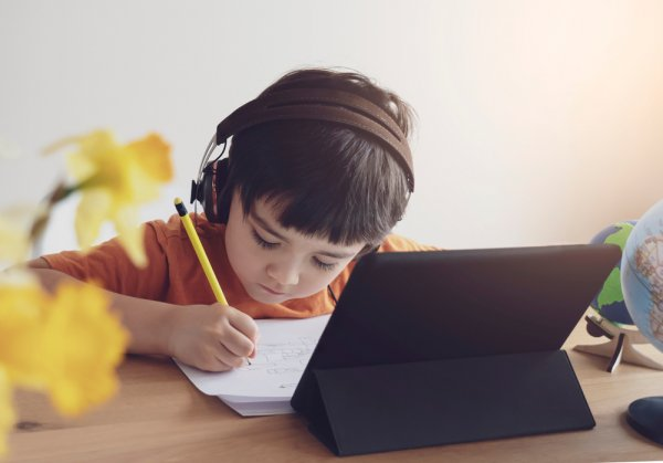10 Rekomendasi Tablet Murah dan Berkualitas untuk Membantu Anak Belajar di Rumah (2020)
