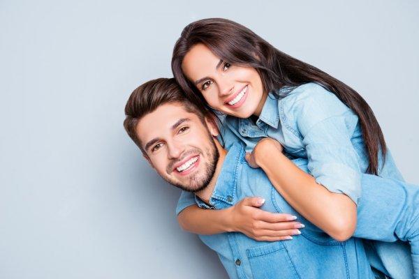 9 Model Baju Couple Terbaru Wajib Coba untuk Tampil Makin Keren dan Serasi Bersama Pasangan