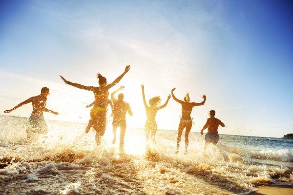 Liburan ke Pantai? Yuk, Lihat Dulu 10 Rekomendasi Pantai Terkenal di Seluruh Dunia