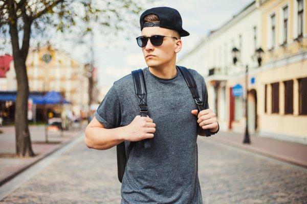 10 Model Baju Kaos Keren Yang Boleh Dicoba Di 2018