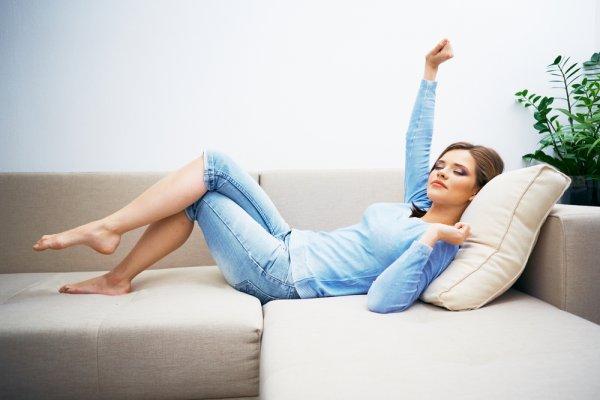 10 Rekomendasi Sofa Bed yang Paling Nyaman saat Beraktivitas Selama di Rumah (2020)