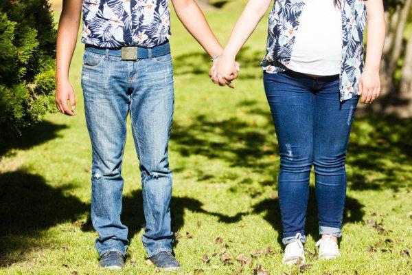 Tips dan Rekomendasi Tampil Serasi Bersama Pasangan Tercinta dengan Batik Couple yang Manis 2018