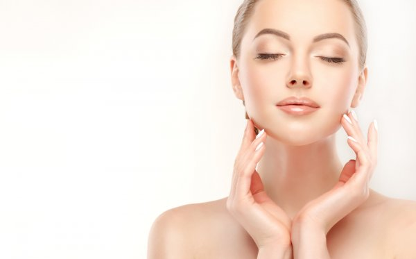 Semua Usia Bisa Tampil Cantik! Ini Dia 10 Rekomendasi Kosmetik Usia 30 Tahun ke Atas