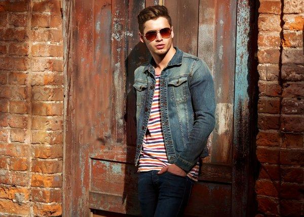 Update 10 Tren Fashion Pria Terbaru 2018 yang Bikin Penampilanmu Semakin Memukau