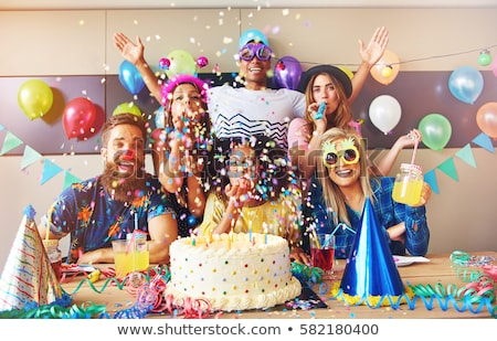 10 Rekomendasi Aksesori Pesta Ini Wajib Ada untuk Memeriahkan Pesta Ulang Tahunmu! (2020)