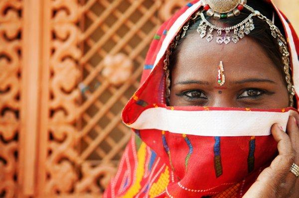 10 Perhiasan Ala India untuk Anak-anak yang Aman Dipakai