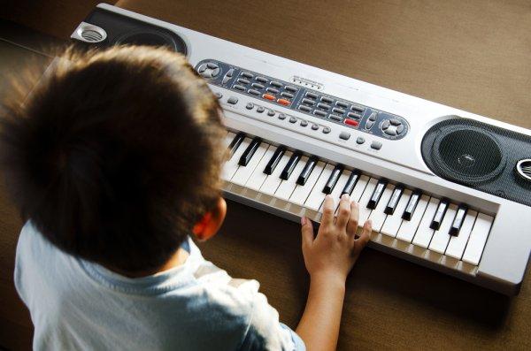 Anak Anda Baru Belajar Bermain Musik? Ini 10 Rekomendasi Keyboard yang Cocok untuk Pemula (2019)