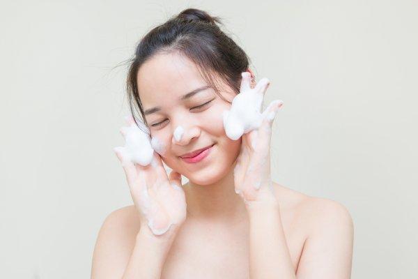 9 Rekomendasi Sabun Kecantikan yang Efektif dan Aman Digunakan Setiap Hari