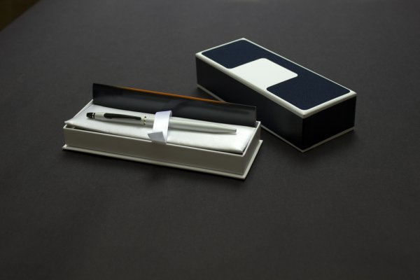 Pens are Ideal Gifts for Formal Occasions: How to Select the Right Pen Gift Box and 4 Wonderful Pen Gift Boxes You can Buy Online (2020)