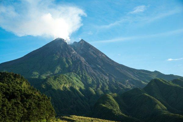 6 Alternatif Seru Wisata Gunung Merapi untuk Kamu yang Tak Cuma Ingin Mendaki