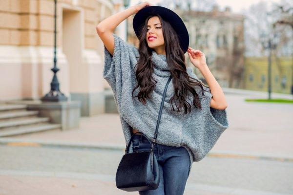 Yuk, Tampil Keren Pakai 10 Rekomendasi Sweater Lengan Pendek (2019)