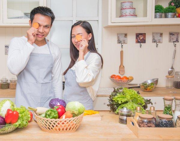 Siapa Bilang Masalah Dapur Cuma Urusan Perempuan? 15 Tips Dapur Ini Bikin Urusan Dapurmu Makin Ringan dan Mudah