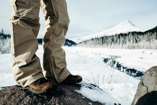9 Rekomendasi Celana Anti-air untuk Pria dan Wanita untuk Berbagai Kesempatan