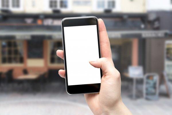 Suka Petualangan? Ini 10 Handphone Outdoor yang Cocok Buat Kamu!