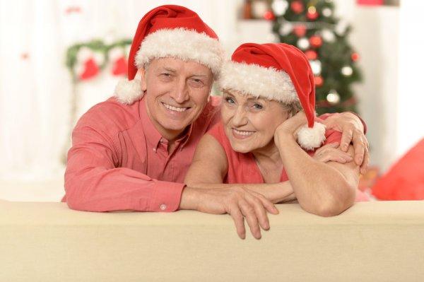 Tunjukkan Rasa Cintamu kepada Orang Tua dengan 9 Rekomendasi Hadiah Natal Ini