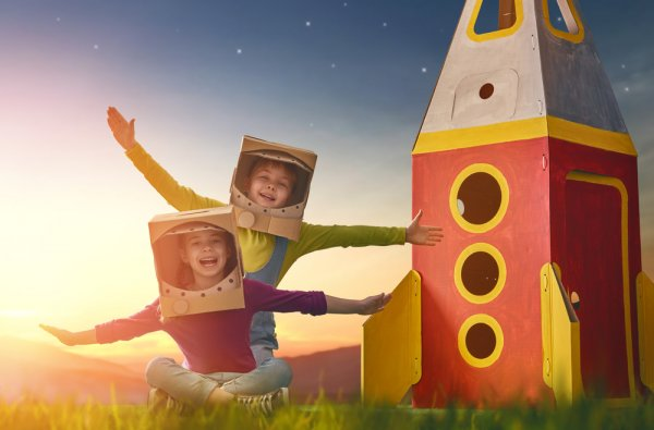 In Today's Digital World of Mobile Phones & Tablets, it is Important to Engage Your Kids in Outdoor Games As Well: 10 Fun Outdoor Toys for Your Child's Overall Development (2020)