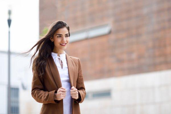 7 Rekomendasi Blazer Wanita yang Kece dari Mango untuk Aktivitas Kantoranmu (2019)