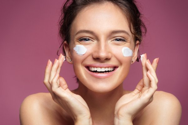10 Rekomendasi Skincare dari Safi yang Ampuh Lawan Penuaan Dini (2020)