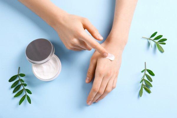 Perlindungan Lebih untuk Kulit Tangan, Ini 10 Rekomendasi Hand Cream Terbaik yang Bisa Anda Pertimbangkan (2020)