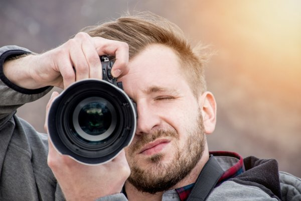 10 Rekomendasi Perlengkapan Fotografi yang Harus Kamu Miliki untuk Menekuni Hobi Fotografi