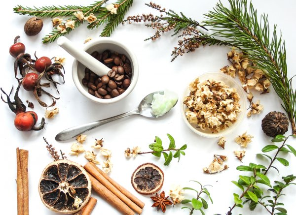 Cantik Alami dengan 10 Kosmetik Tradisional Warisan Nenek Moyang