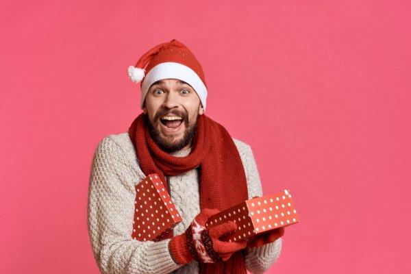 Bingung Memilih Kado Natal untuk Pria? Tidak Lagi dengan 10 Ide Ini!