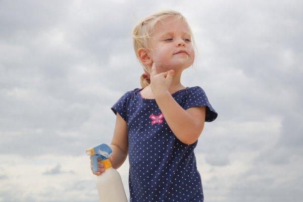 Lindungi Si Kecil dari Bahaya Sinar Matahari Dengan Sunblock Anak Ini! (2020)