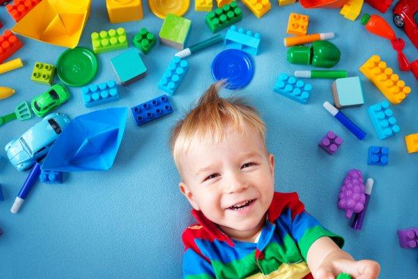 10 Mainan untuk Anak Laki-laki Usia 3 Tahun yang Mengasah Kreativitas ed8189da2a
