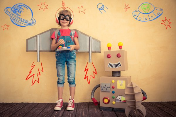 Ajak Si Kecil Membuat 10 Mainan Lucu Bersama