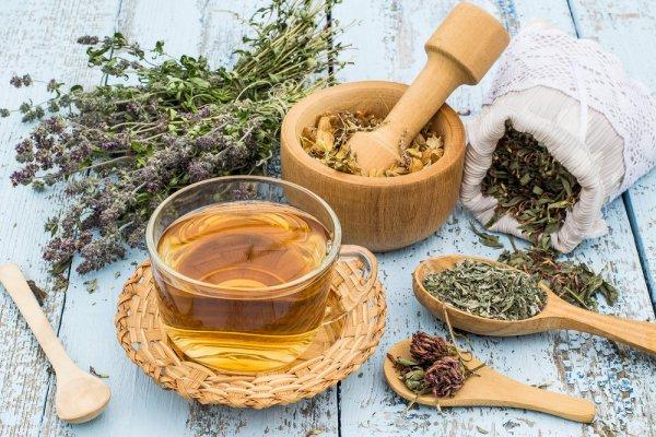 Jaga Kesehatan Selama Hamil dengan Minum 5 Rekomendasi Teh Herbal yang Aman untuk Ibu Hamil
