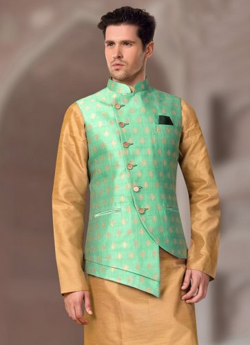 Versatile Ethnic Wear that Can Be Worn in Any Setting: Classic Nehru Jacket Combinations with Top Options Available Online (2021)